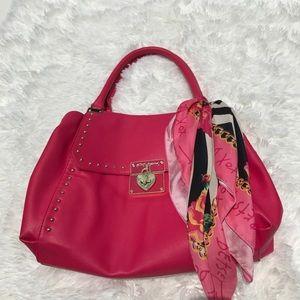 Adorable Betsey Johnson purse 😍